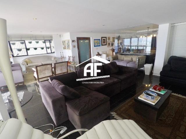 Apartamento com Vista para o mar - 300m² - 3 quartos todos suítes - Ótima localização - Foto 11