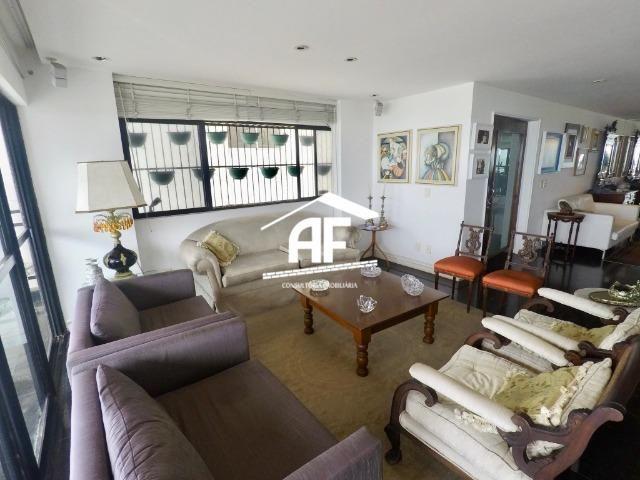 Apartamento com Vista para o mar - 300m² - 3 quartos todos suítes - Ótima localização - Foto 10