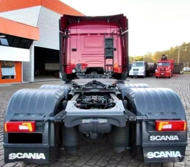 Entrada R$ 39.900,00 + Parcelas 2.185,00 - Scania R 440 - Foto 2