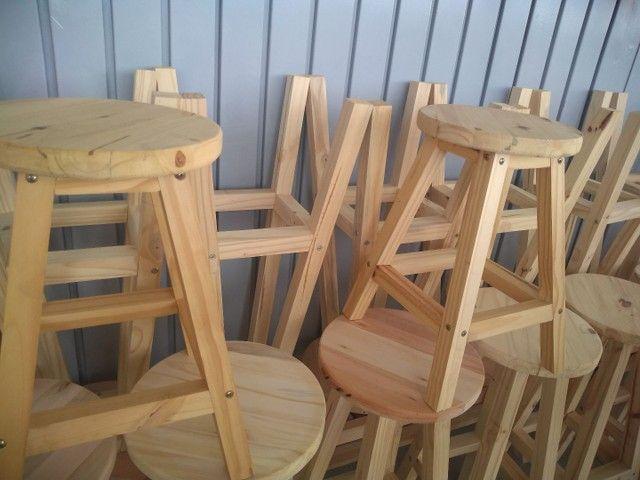 Banquetas sem encosto  em madeira  - Foto 6