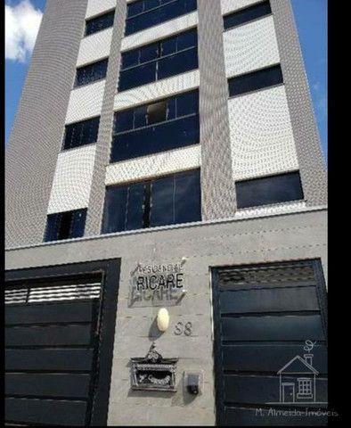 Excelente Apartamento no Edifício Ricare ZONA 08