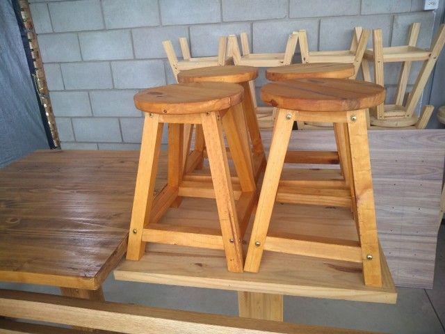 Banquetas sem encosto  em madeira  - Foto 4