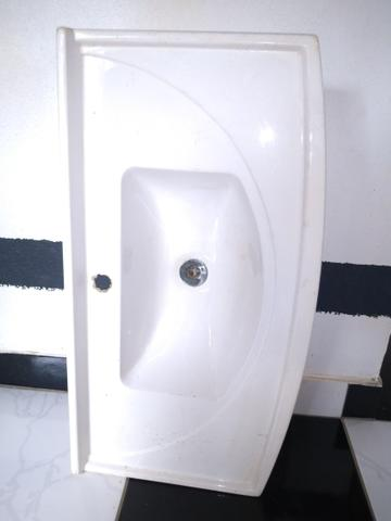Vendo 2 pia de banheiro