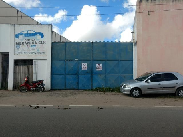 Alugo terreno com estrutura para oficina ou estacionamento de caminhões