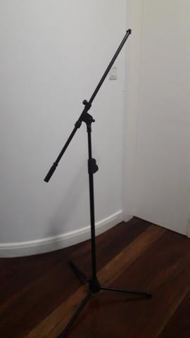 Pedestal para microfone novo