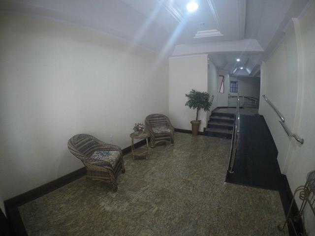 Lindo apartamento colado no mar de Meia Praia, 3 quartos - Foto 20