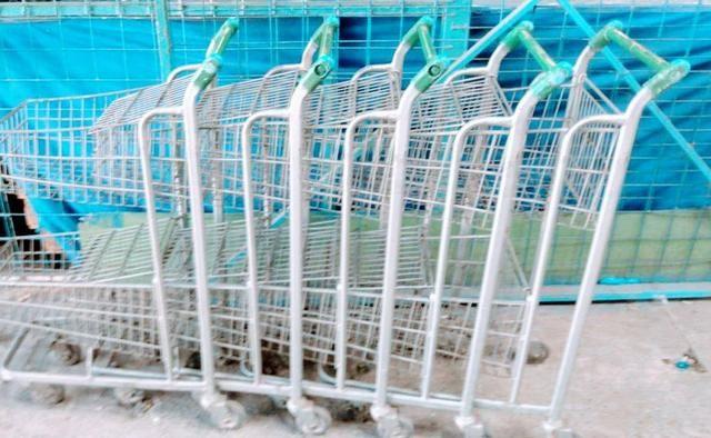 Carrinho de supermercado medio