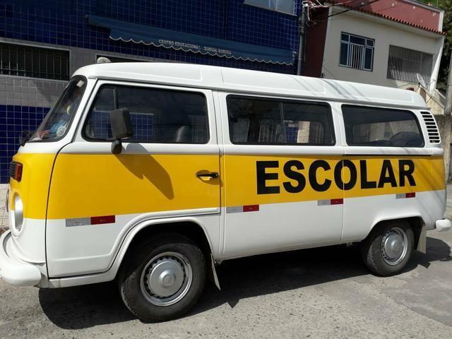 Vendo Kombi Escolar R$ 18.500,00