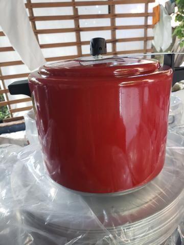 Panela de pressão 10 litros coloridas - Foto 2