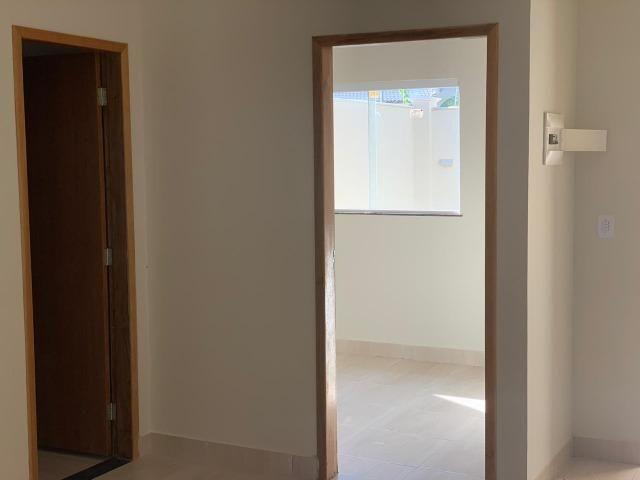 Hora de sair do aluguel - Casa pronta para morar 3 quartos com suíte - Financiamento MCMV - Foto 3