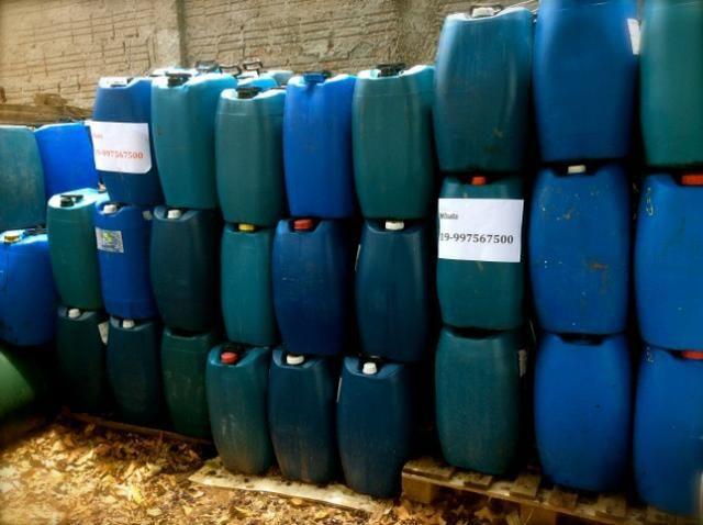 Bombonas Plasticas Usadas 50 litros 7 Reais - Foto 4