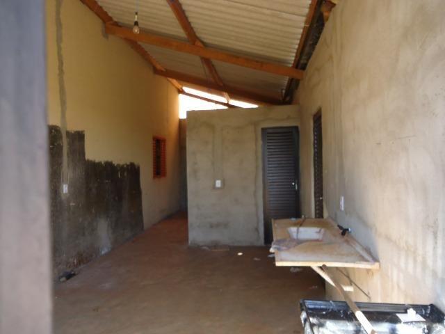 Ponto Comercial de esquina c/ casa de 04 cômodos+áreas (quitada) - Foto 3