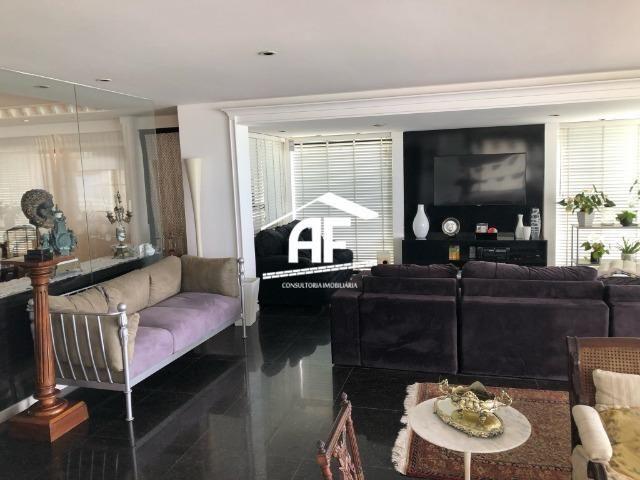 Apartamento com Vista para o mar - 300m² - 3 quartos todos suítes - Ótima localização - Foto 12