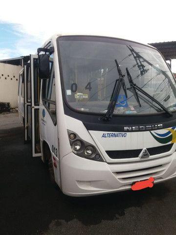 Microônibus Agrale ano 2010