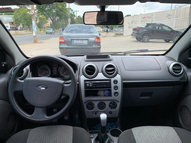 Ford Fiesta Sedã 1.6 8v 2013 - Foto 2