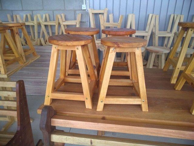 Banquetas sem encosto  em madeira  - Foto 3