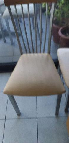 Vendo duas  ou quatro cadeiras de ferro - Foto 2