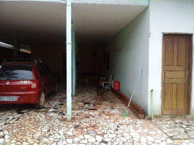 Troco ou vendo duas casas no Novo Horizonte. Aceito carro e propostas