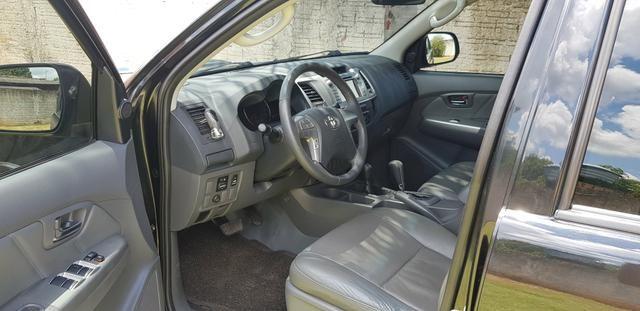 TOYOTA HILUX CD SRV D4-D 4X4 3.0 TDI Diesel Aut - Foto 6