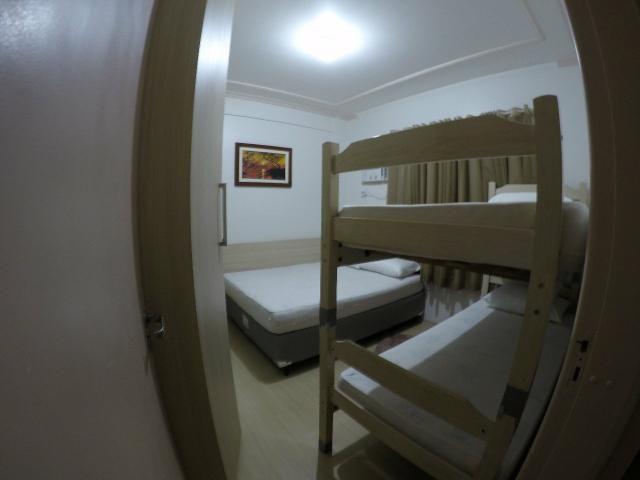 Lindo apartamento colado no mar de Meia Praia, 3 quartos - Foto 6