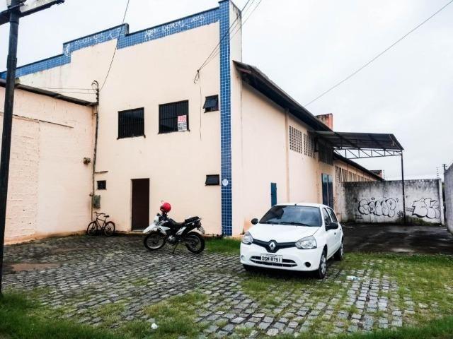 GA0040 Galpão Comercial no Ancuri, 700m² construído, escritório, vaga de garagem - Foto 4