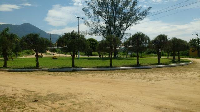 Ótimos terrenos financiados em Condomínio de frente à praia de Jaconé, Saquarema - Foto 5
