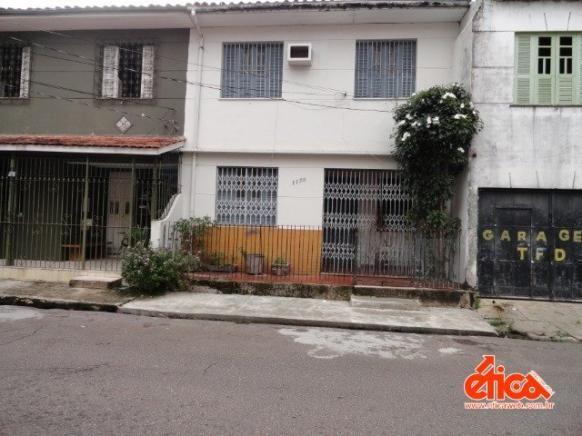 CASA O DE ALMEIDA - 04 QUARTOS