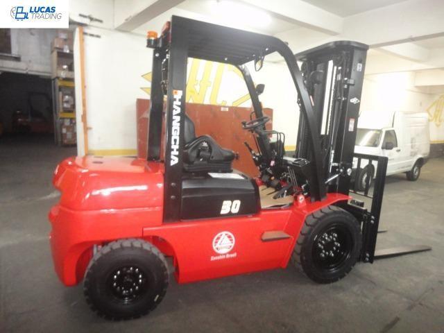 Empilhadeira 3 toneladas Diesel - NOVA