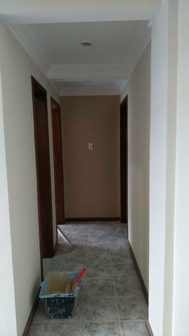 Alugo apartamento em excelente localização - Foto 2