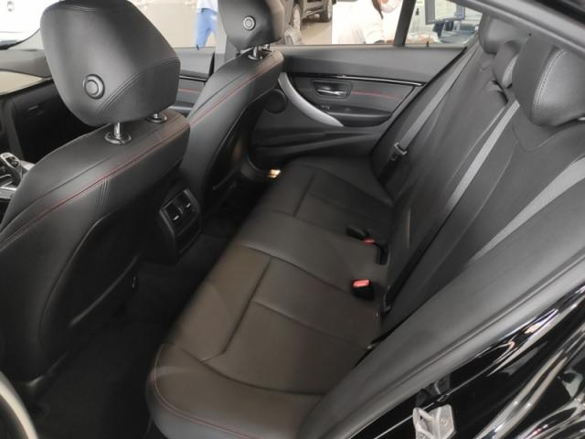 BMW  320i 2.0 SPORT 16V TURBO ACTIVE 2017 - Foto 8