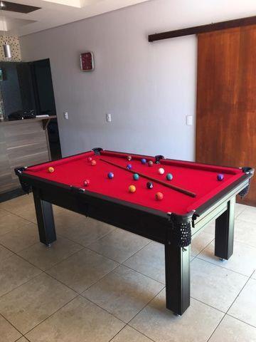 Mesa de Sinuca Tabaco Campo de jogo em Mdf Tecido Vermelho Medida 1,93 x 1,18 - Foto 3
