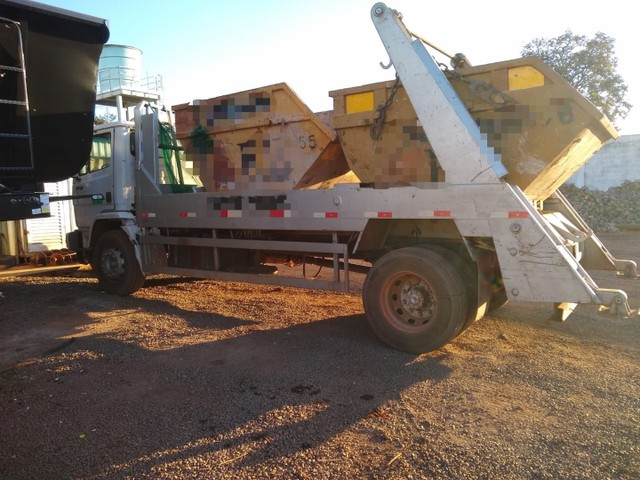 MB 1718 4x2 Chassis  - Foto 3