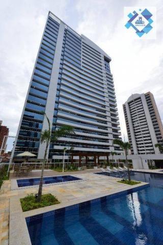 Apartamento alto padrão, 226m² com 4 suítes no Bairro do Meireles.