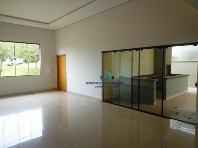 Casa térrea no Condominio Royal Forest. Estuda pegar imóvel no negócio! Londrina/PR