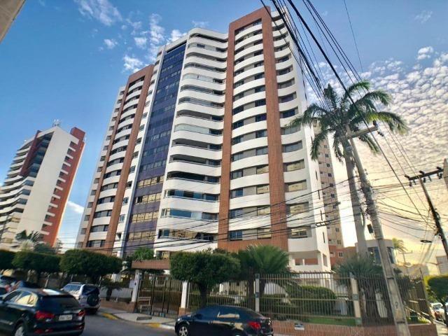 Apartamento no Guararapes com 192m / 3 suítes / 3 vagas / nascente