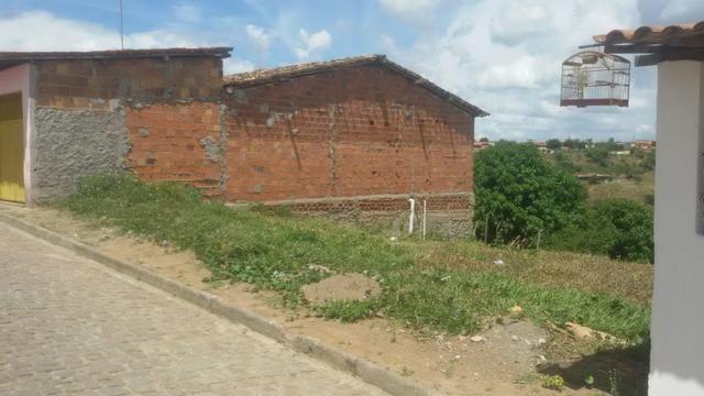 Um terreno em muritiba bahia tem 12 de lag por 22 de conpri