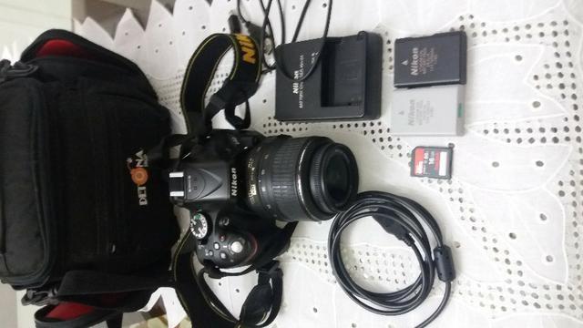 Nikon D5200 + bateria extra + cartão memória + bolsa + lente 18-55mm - Foto 4