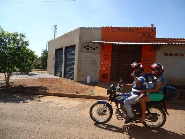 Ponto Comercial de esquina c/ casa de 04 cômodos+áreas (quitada) - Foto 5