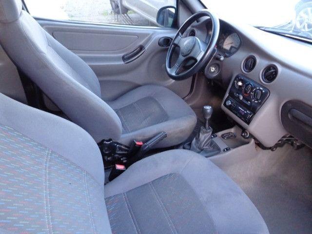 GM - Celta 1.0 - 2001 - Foto 8