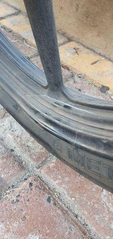 Vendo roda palitro traseira da yamaha ler anuncio todo - Foto 3