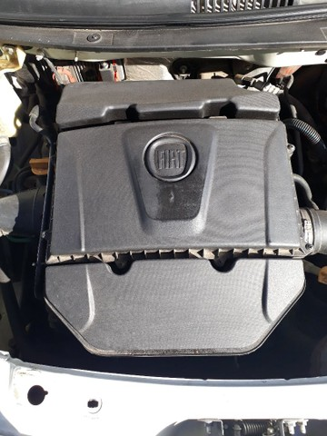 Carro Palio essence 1.6 16 valvula