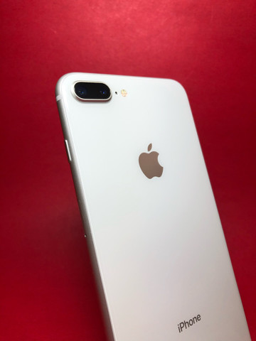 iPhone 8 Plus 64Gb Silver  - Foto 2