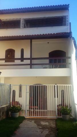 SU00020 - Casa com 04 quartos em Itapuã