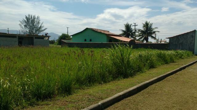Ótimos terrenos financiados em Condomínio de frente à praia de Jaconé, Saquarema - Foto 7