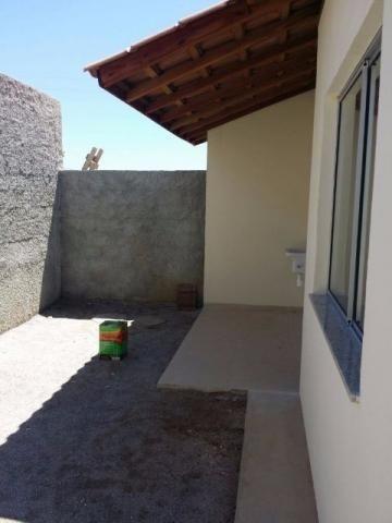 Lindas casas 02 qts padrão e Pne quintal garagem ótima localização transporte na porta - Foto 9