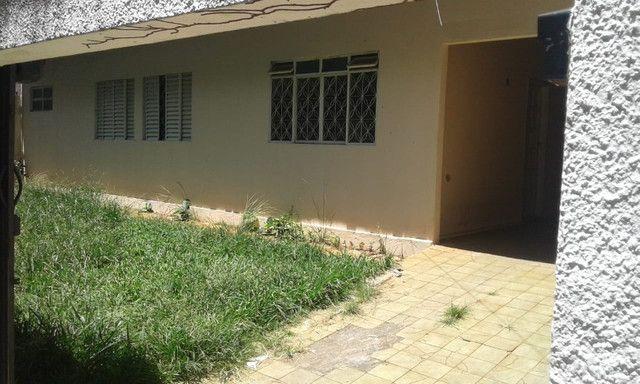 2 casas no mesmo lote, só aluga juntas, Fundo da Garagem de Onibus - Foto 13