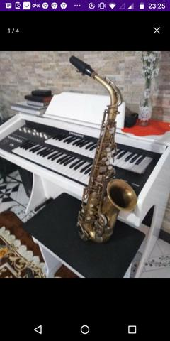 Sax alto Weril desplacado