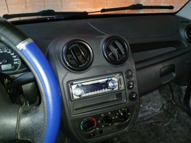 Vendo um Ford Ka ano 2009 2010 bem conservado ar condicionado direção hidráulica - Foto 3