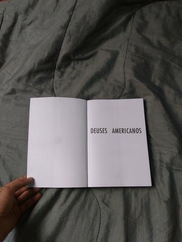 Livro Deuses Americanos (NOVO) - Foto 2