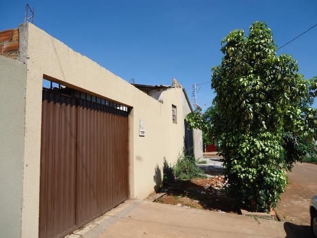 Ponto Comercial de esquina c/ casa de 04 cômodos+áreas (quitada) - Foto 2